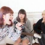 カラオケの歌いやすい曲ランキング!低い声の女性にならこれ♪